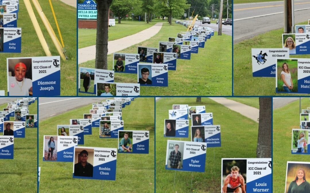 PICTURES: 2021 Senior Signs!